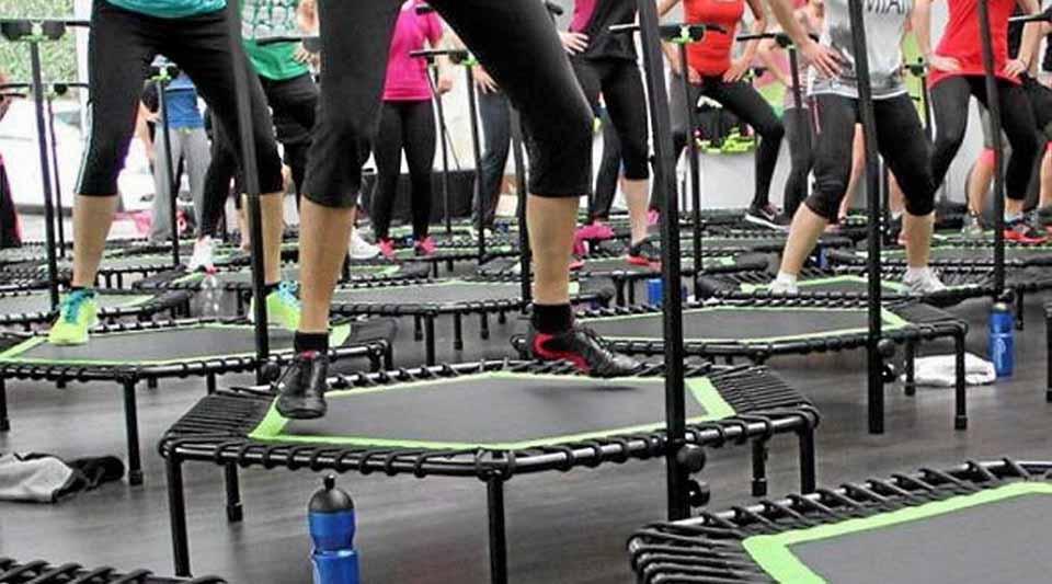 comment choisir le meilleur mini trampoline fitness avis et comparatif. Black Bedroom Furniture Sets. Home Design Ideas