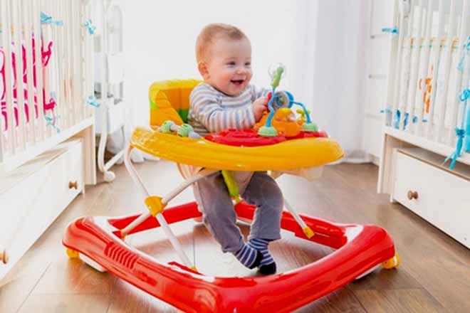 meilleur trotteur bebe guide achat