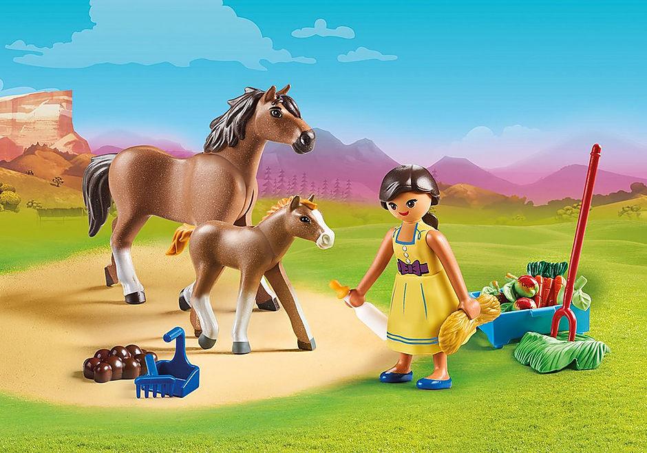 Apo avec cheval et poulain